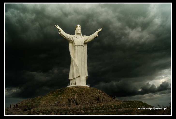 Figura Chrystusa Krola - Swiebodzin pictures